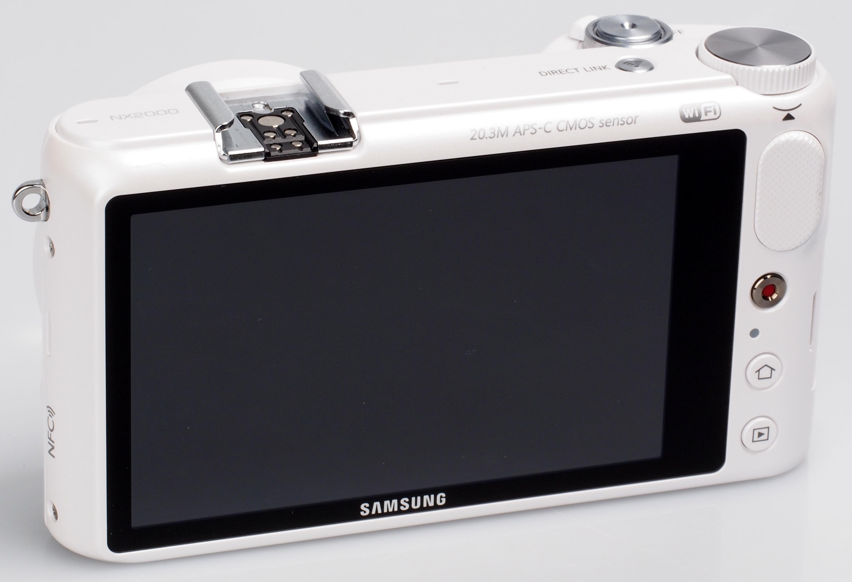 Samsung_NX2000