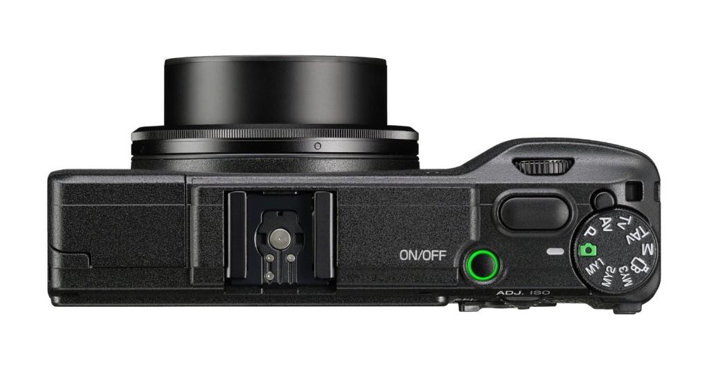 appareil-photo-Ricoh-GR-II-profil