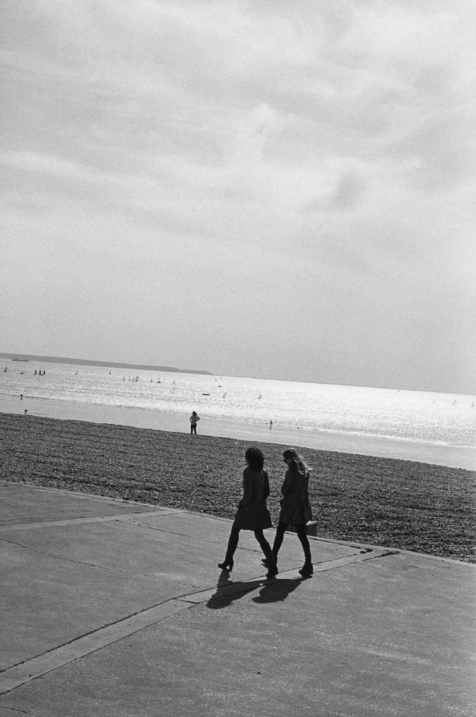 Bernard PLOSSU (1945), Sans titre, octobre 2013, photographie argentique. Le Havre. © Bernard Plossu